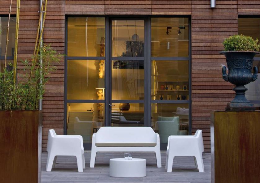 Outdoor Furniture: Creating Vibrant Spaces